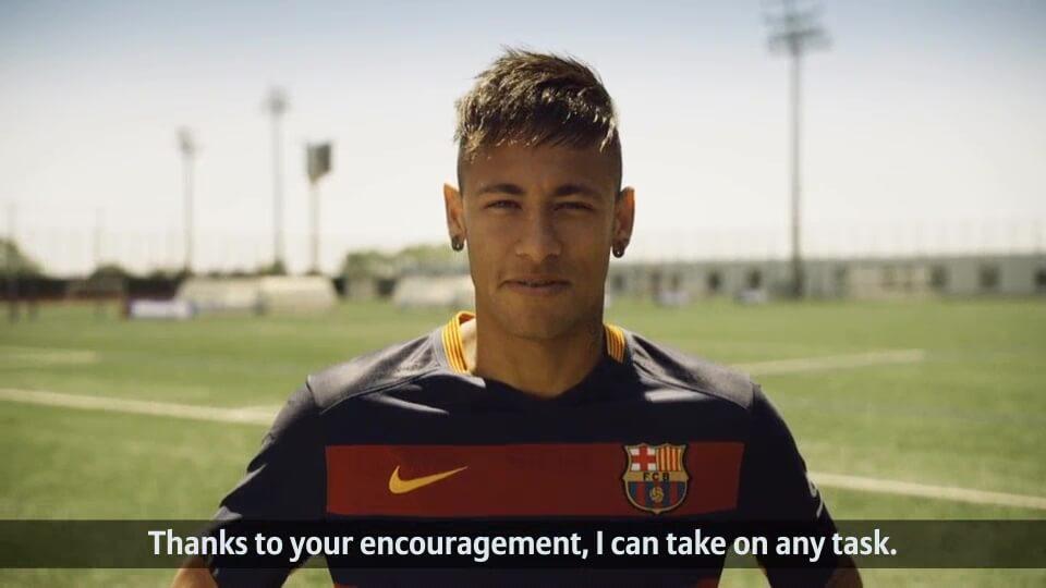 Fan Aktion von Allianz und FC Barcelona Neymar Jr. englisch mit DDD Hamburg